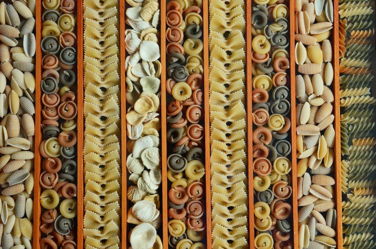 Capellini, vermicellini, bucatini, maccheroncini, ziti... la Organización Internacional de la Pasta contabiliza más de 600 tipos de #pasta