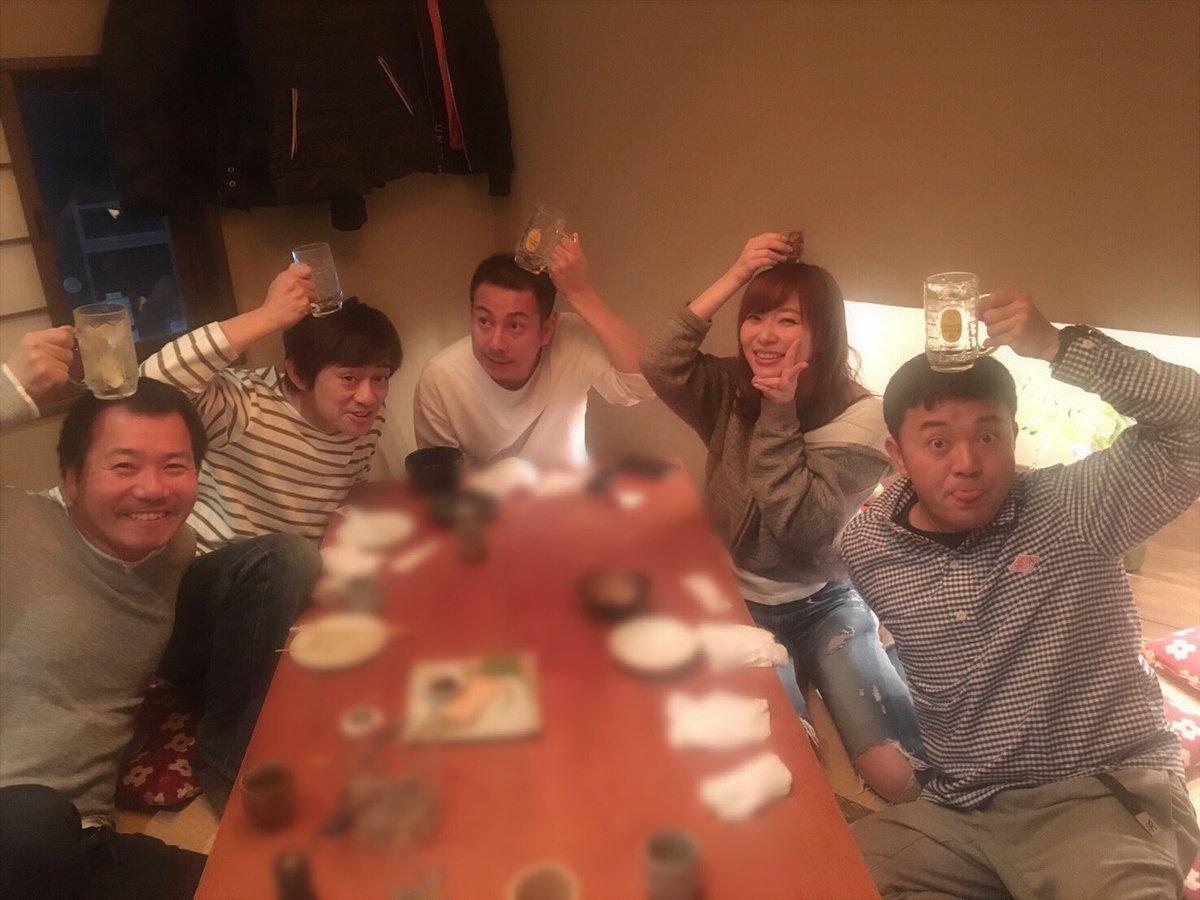 昨日の夜は食事会にもお邪魔しました😊  福岡で華丸さんと、、、なんて豪華なんだ〜!!!  すっごく楽…