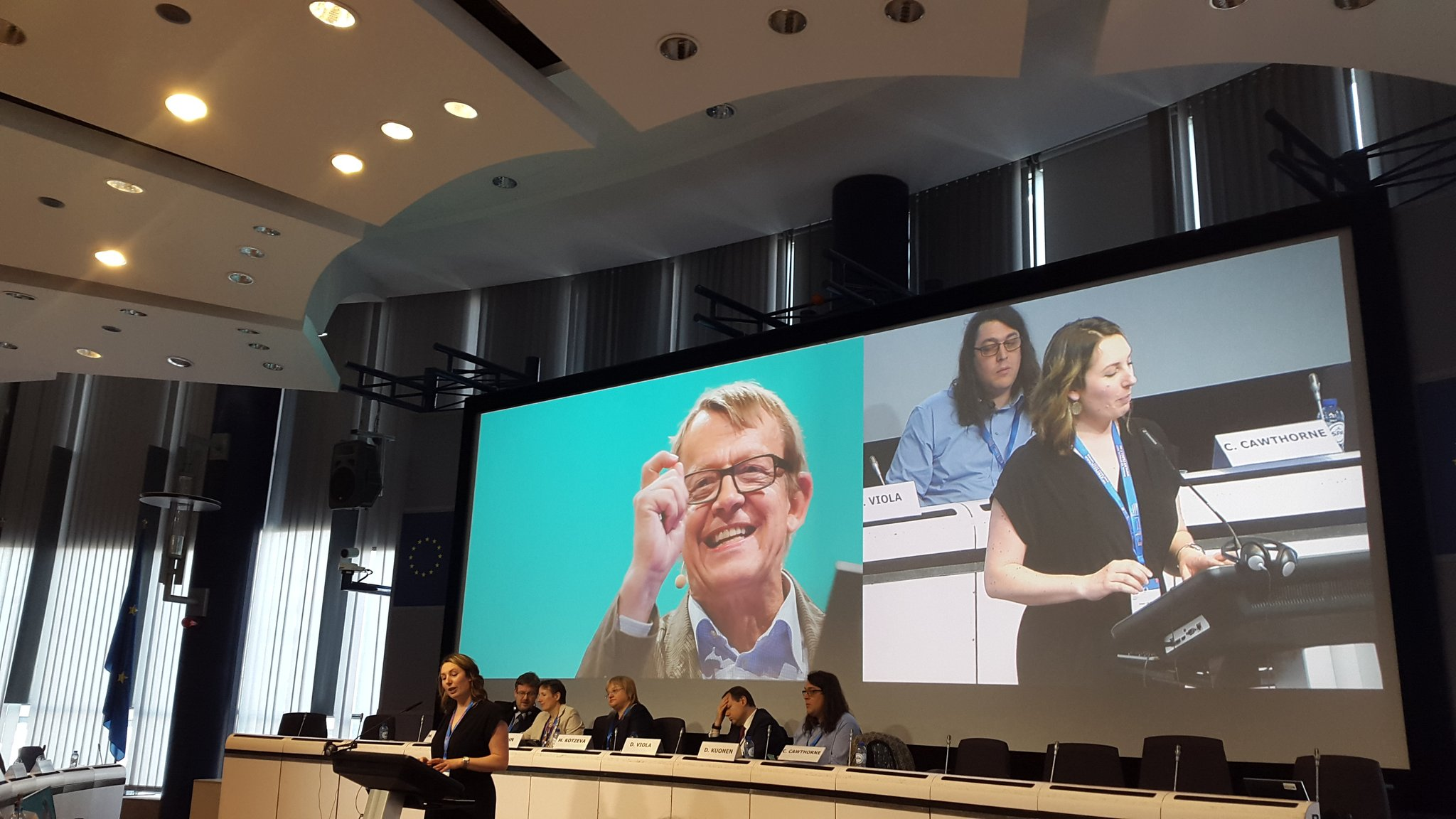 No better place then #ntts2017 to remember @HansRosling and his efforts to link statistics and digital publishing by @crocstar https://t.co/AJZOa2qW6a