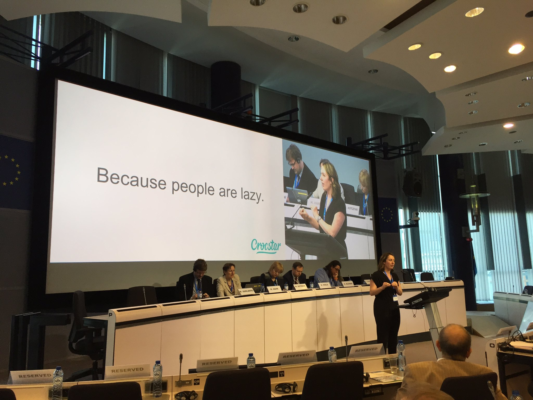 """People read ~20% of a webpage they look up. You can't rely on them to find info they need-this is your job"" @crocstar #NTTS2017 https://t.co/wlkTpgdztr"