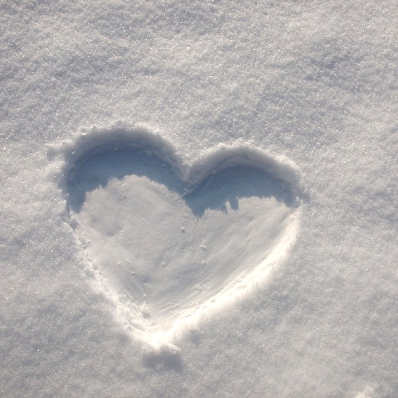 """The first snow is like the first love. Do you remember your first snow?"" #LaraBiyuts #FirstLove #SnowDayChat https://t.co/YbbapJvBKs"