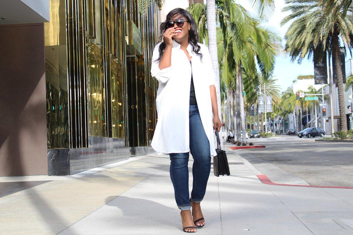 #ontheblog Longline Blouse + Denim Jeans  http://www. miaabrumfield.com/2017/03/14/lon gline-blouse-denim-jeans/ &nbsp; … <br>http://pic.twitter.com/hyqEbFcFsQ