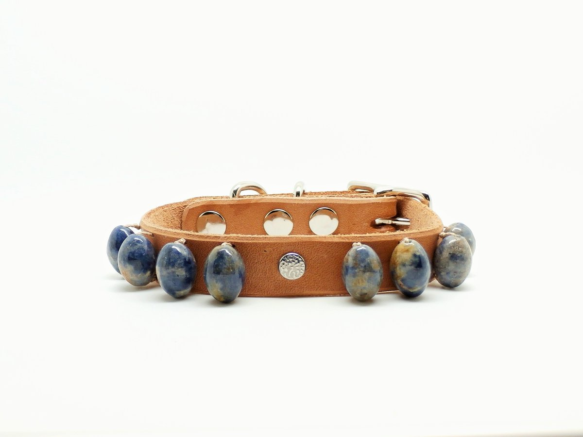 NaturalRaw #Sapphire and #HandmadeLeather #DogCollars  http:// ow.ly/Gz3U303315R  &nbsp;   #DogLovers #PetLuxury #Gemstones<br>http://pic.twitter.com/BJLyJZodss
