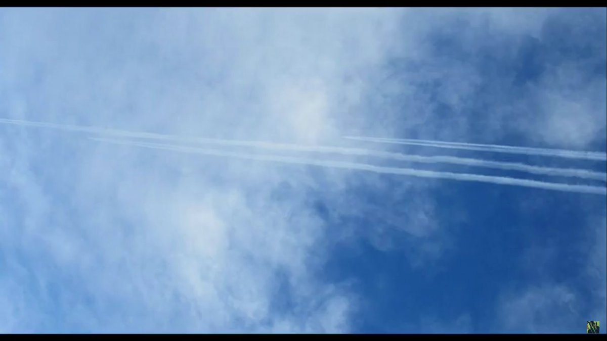 Risultati immagini per Stealth Bombers Dropping Chemtrails In New Mexico, Blue Fibers and Morgellons