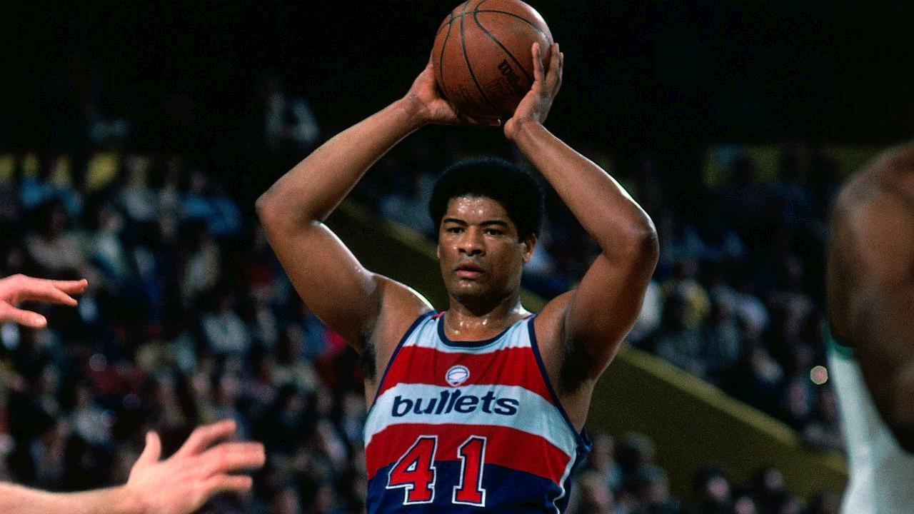 Happy 70th Birthday to legend, former MVP & ROY Wes Unseld!  MORE: