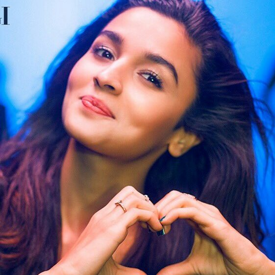 """HAPPY BIRTHDAY ALIA BHATT\"" Happy birthday Alia  Ur my fev actress love u so much ...."