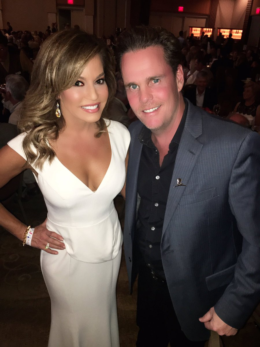 """Robin Meade on Twitter: """"Look who i found at #thewarburton : kevin dillon  came out to support @StJude and our pal @paddywarbucks… """""""