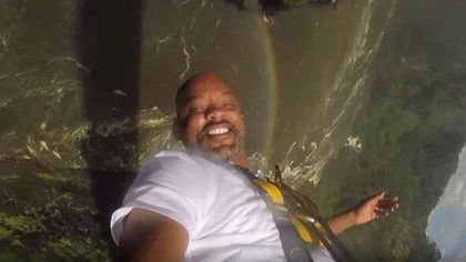 Will Smith's bungee jumping pic makes him look exactly like Uncle Phil...