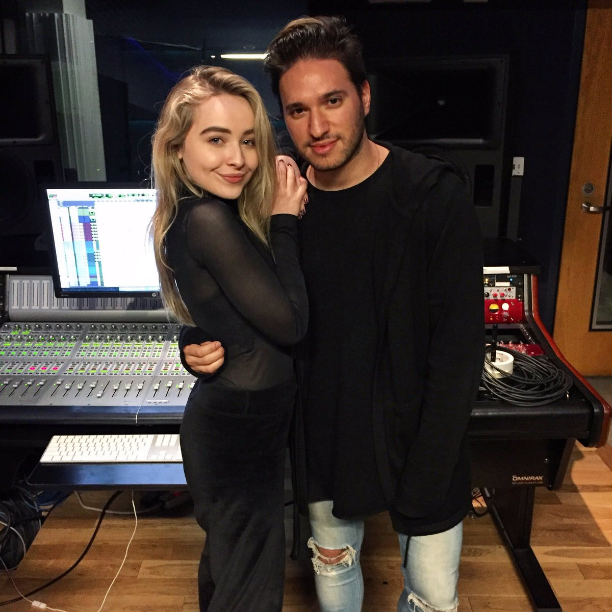 Amazing day in the studio with this one @SabrinaAnnLynn! 🖤😊