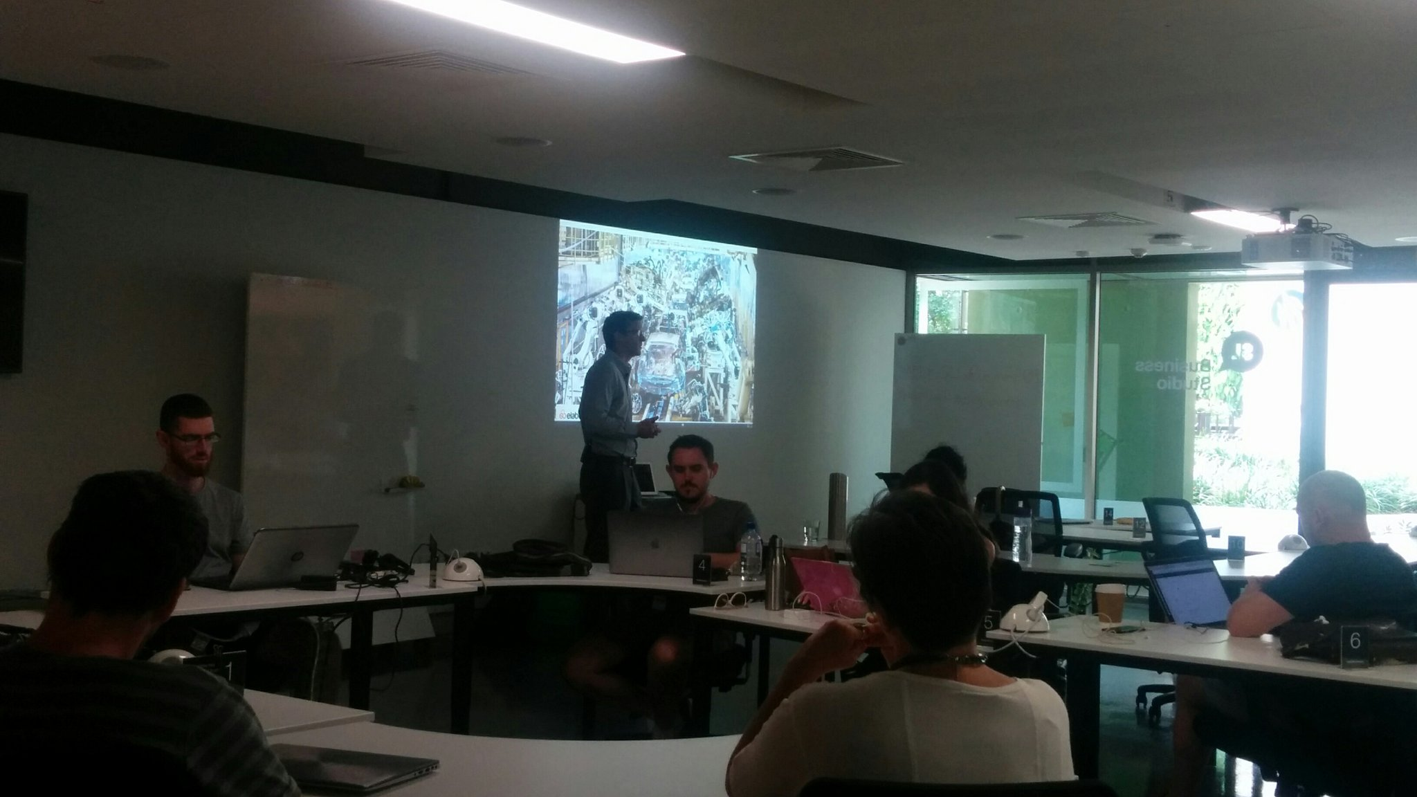 Learning about the #personalkanban model for time management at SLQ Business Studio lunch box forum  #slqbusiness https://t.co/5ecC4o6mks