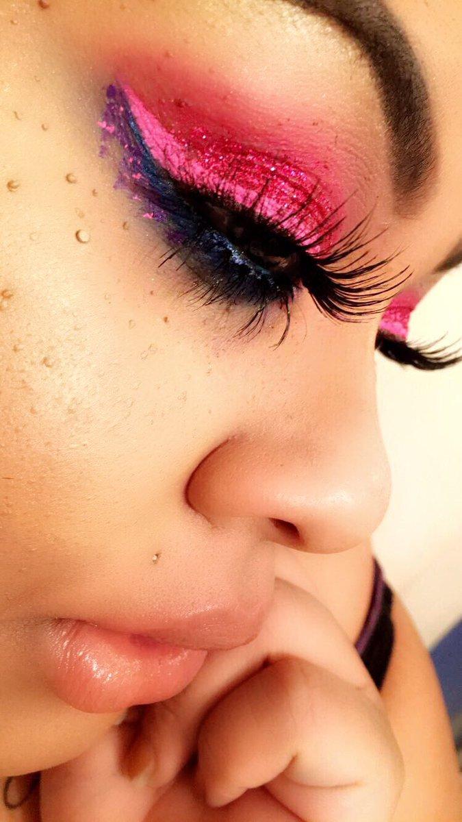 @eyerisbeauty #lashes @wetnwildbeauty #eyeshadow @NyxCosmetics #eyeliner #lips #makeup @LOrealParisUSA #pink #follow #MakeUp4Makeup<br>http://pic.twitter.com/AbWEKSGQeE