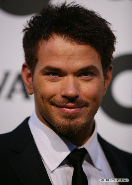 Happy Birthday Kellan Lutz hope you have a wonderful day and may God be with you for the next 32 years and more.