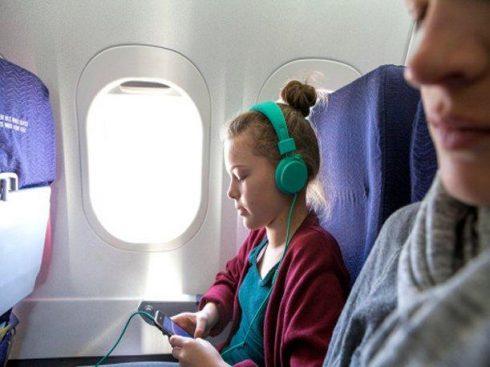 Esplode la batteria delle cuffie ad un passeggero sul volo Pechino-Melbourne