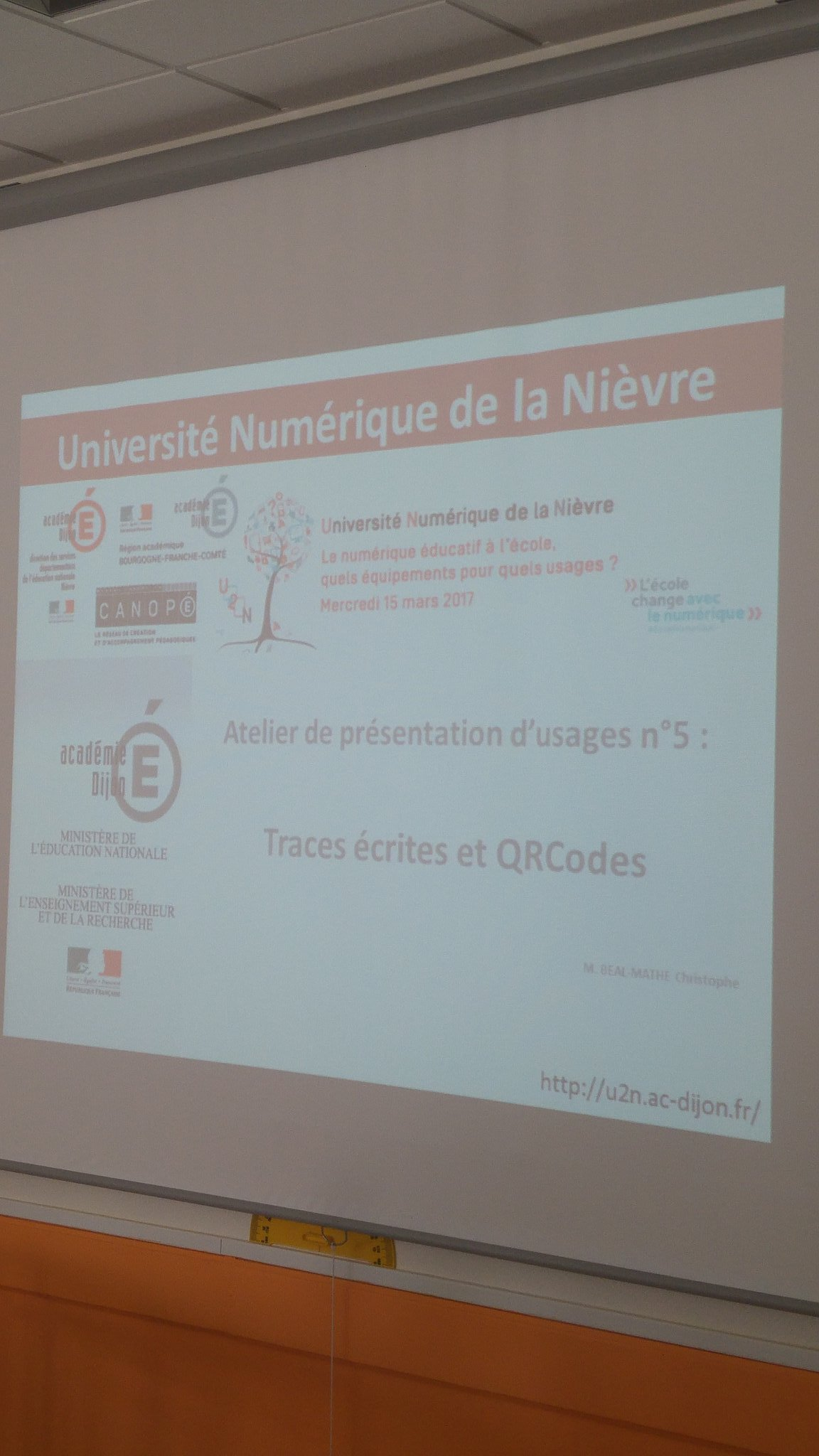 #U2N l'atelier traces écrites et qr codes va commencer @reseau_canope @canope_58 @dsden58 https://t.co/EDVcrxzEik