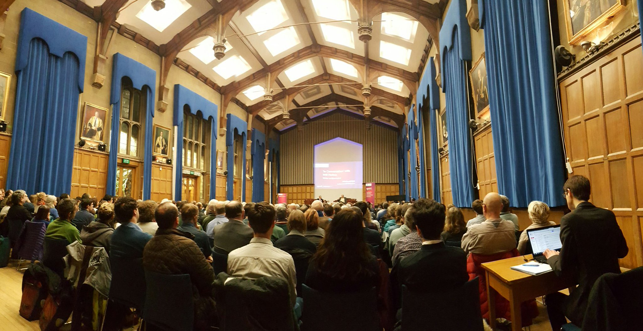 Full house for 'In Conversation with @WilliamNHutton' for @SPERIshefuni in Firth Hall @sheffielduni tonight #HuttonSPERI https://t.co/tYEu76SFNB