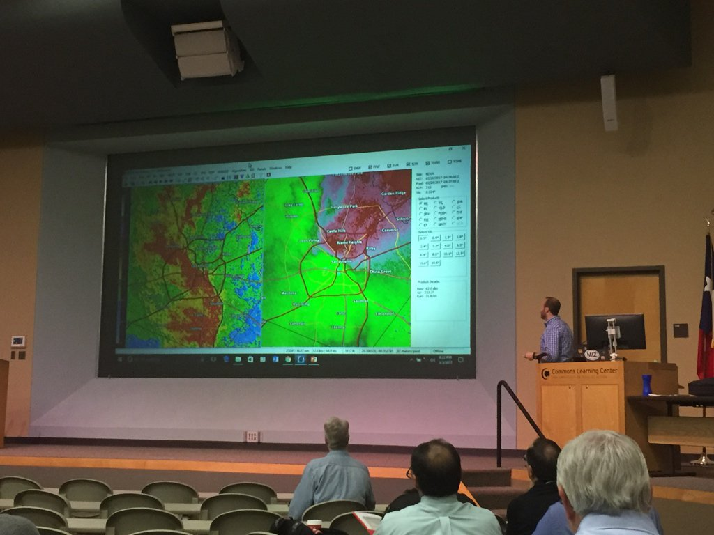 …@bmw_9109 giving a radar and GRLevel2 Analyst overview. #TXWX2017 https://t.co/Bp9bAyOH9M