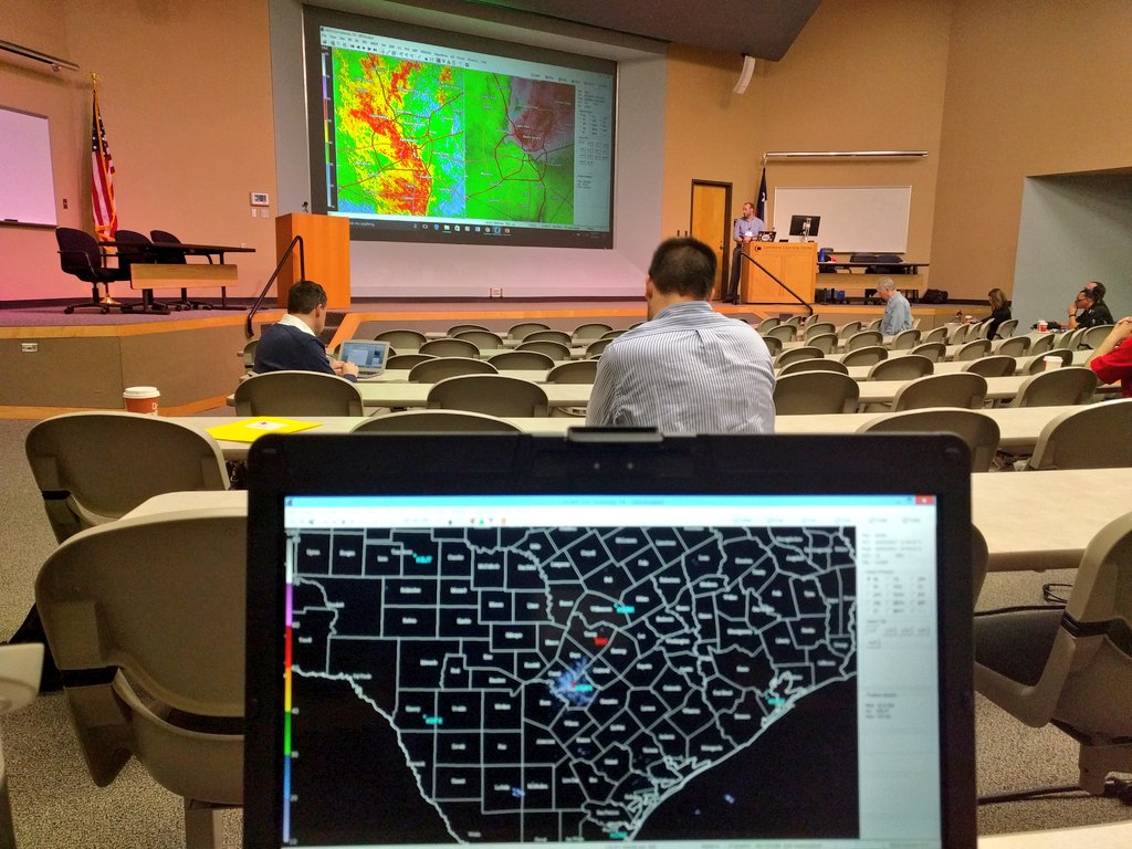 Learning about powerful GR2Analyst software from awesome @NWSSanAntonio Brett at #TXWX2017 https://t.co/ncilIvgF4f
