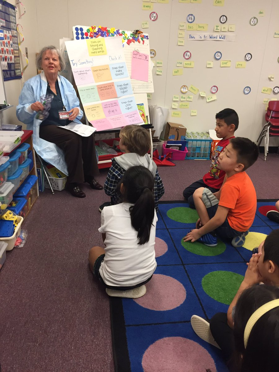 Students learn about dentil hygiene from a supportive community member <a target='_blank' href='http://search.twitter.com/search?q=dentalawarenessmonth'><a target='_blank' href='https://twitter.com/hashtag/dentalawarenessmonth?src=hash'>#dentalawarenessmonth</a></a> <a target='_blank' href='http://twitter.com/AbingdonGIFT'>@AbingdonGIFT</a> <a target='_blank' href='https://t.co/8SPT8piGXh'>https://t.co/8SPT8piGXh</a>