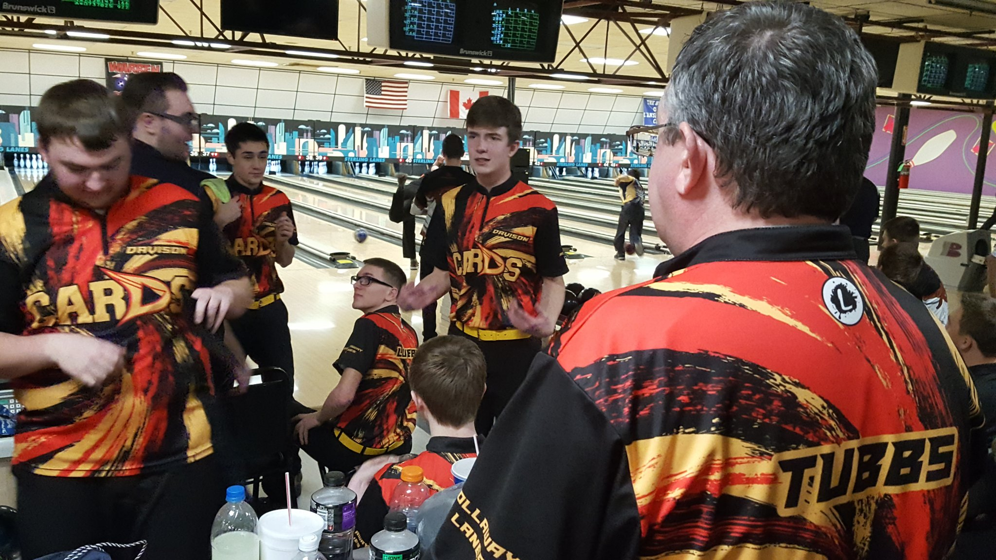Both girls and boys bowling on track to advance to quarterfinals, with one game left https://t.co/bAdR6VJdrg