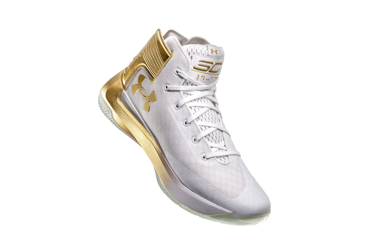 f395cf72b9c2 Official images of the Under Armour Curry  CURRY3Zer0 releasing tomorrow at   footlockerpic.twitter.com OLrCocB5C4