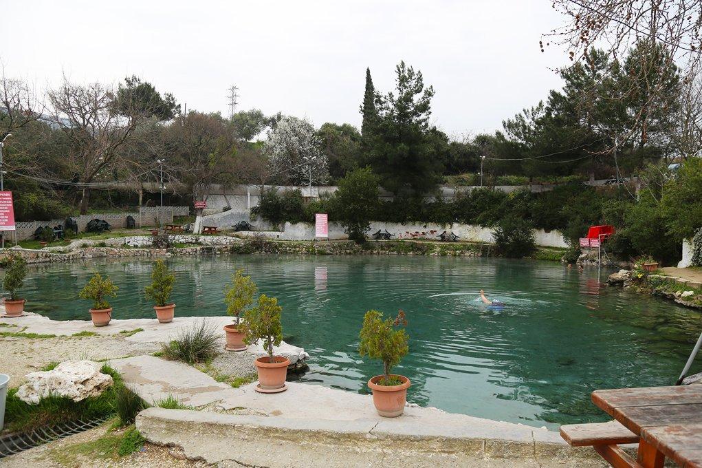 معالم السياحة في بورصة : حمامات تومبولداك الطبيعية في بورصة