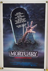Now watching a really old one. I remember this one from my childhood. Bill Paxton in Mortuary! #ILoveHorror #GoodMovies<br>http://pic.twitter.com/zTUJnEzeTa