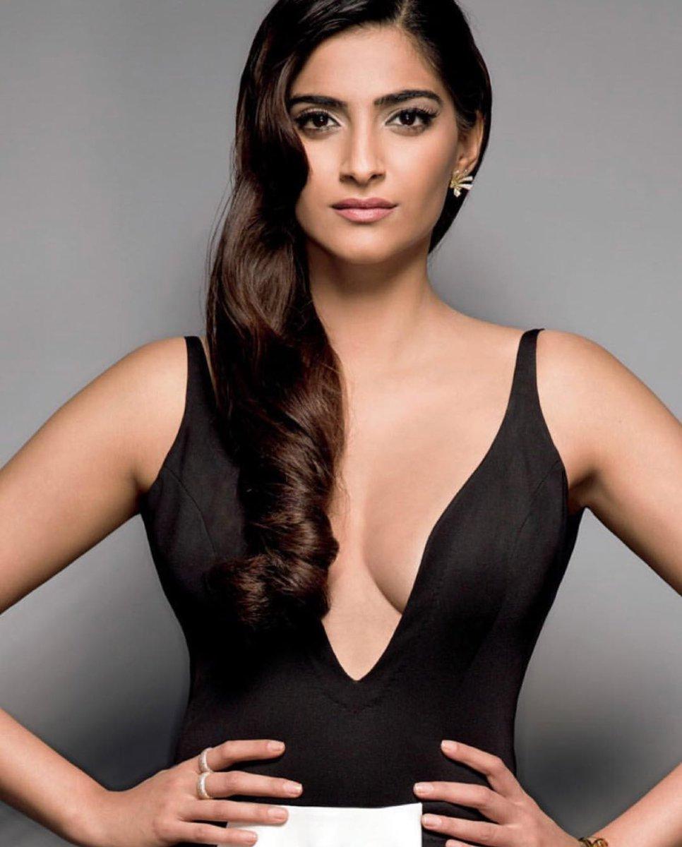 Twitter Sonam Kapoor nude photos 2019