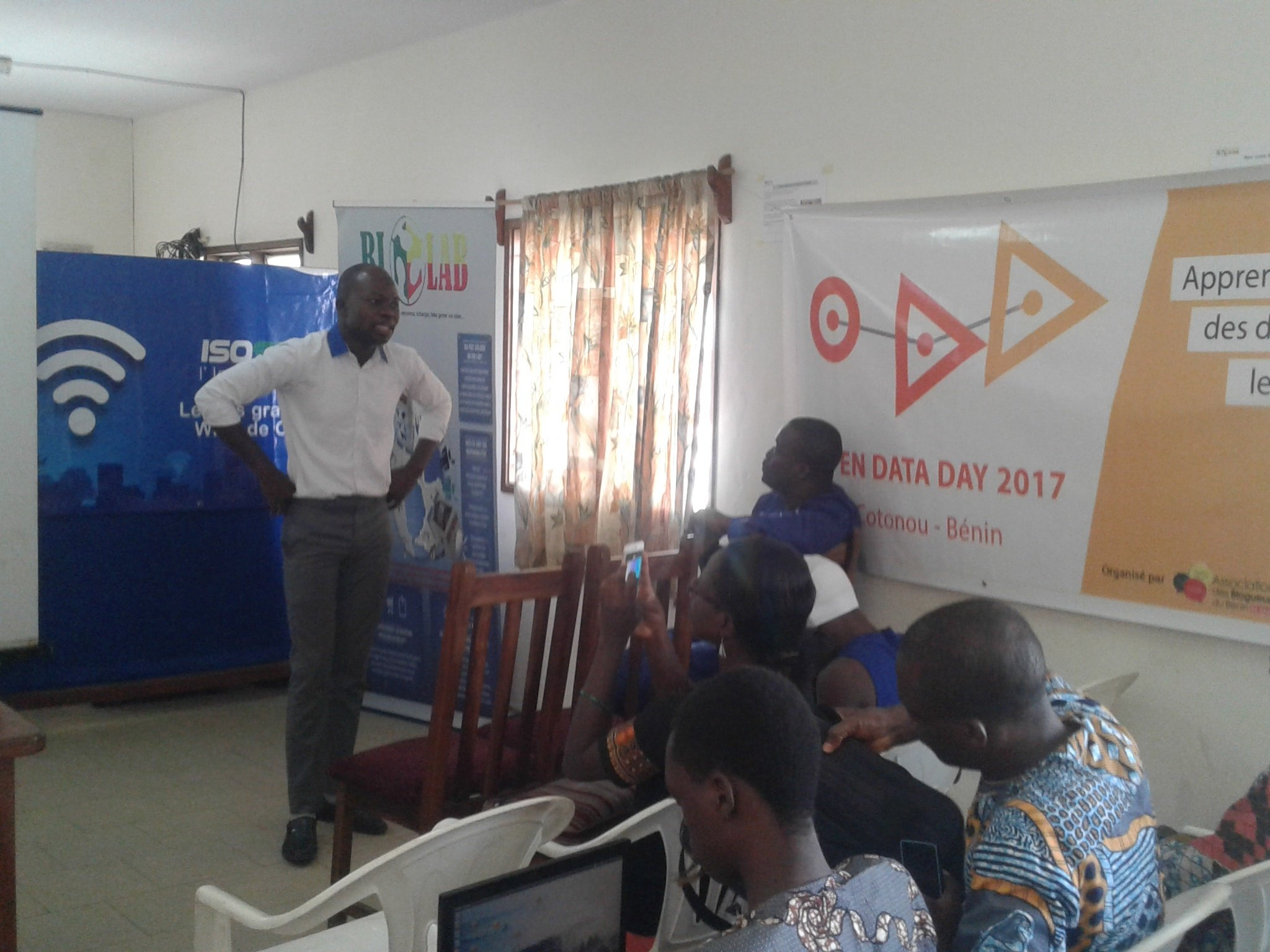 C'est parti pour le #OpenDataDay #Cotonou avec @Seigla qui lance les activités ici au @blolab_cotonou #wasexo https://t.co/broguHNiGo