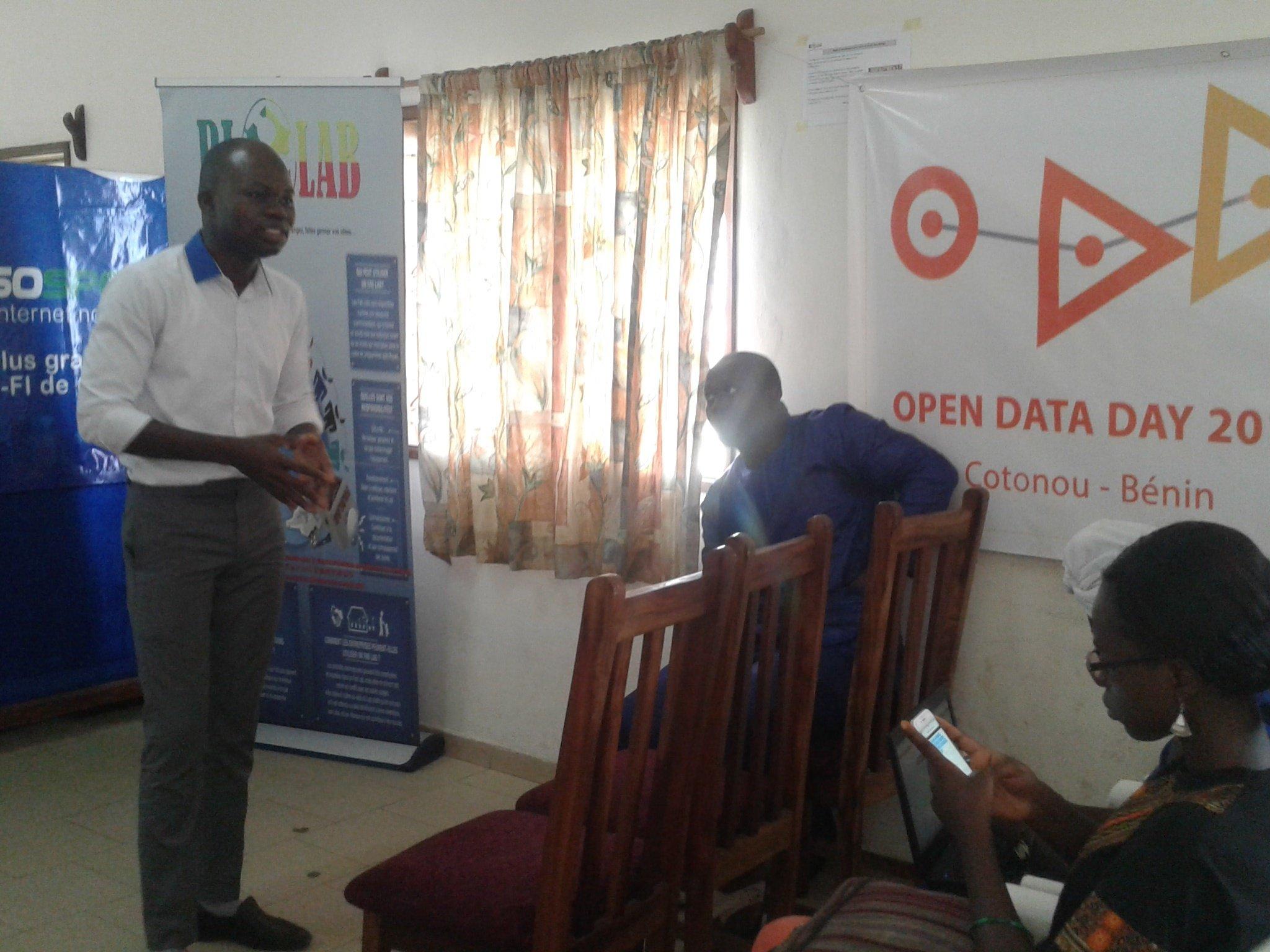 Présentation du chronogramme de ce #OpenDataDay  #Cotonou avec @seigla #wasexo #Team229 @blolab_cotonou @ab_benin https://t.co/cXqQrvlC23