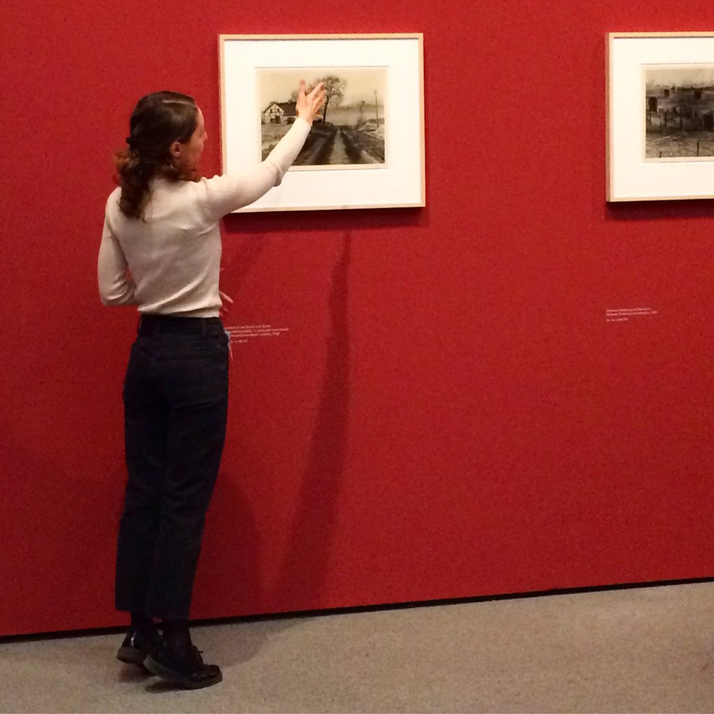 Ruhrpott hautnah. 🏭 Tolle Führung durch die Renger-Patzsch-Ausstellung. #stadtlandmuc #stadtlandbild #instawalk #München https://t.co/D2oHZekPUk