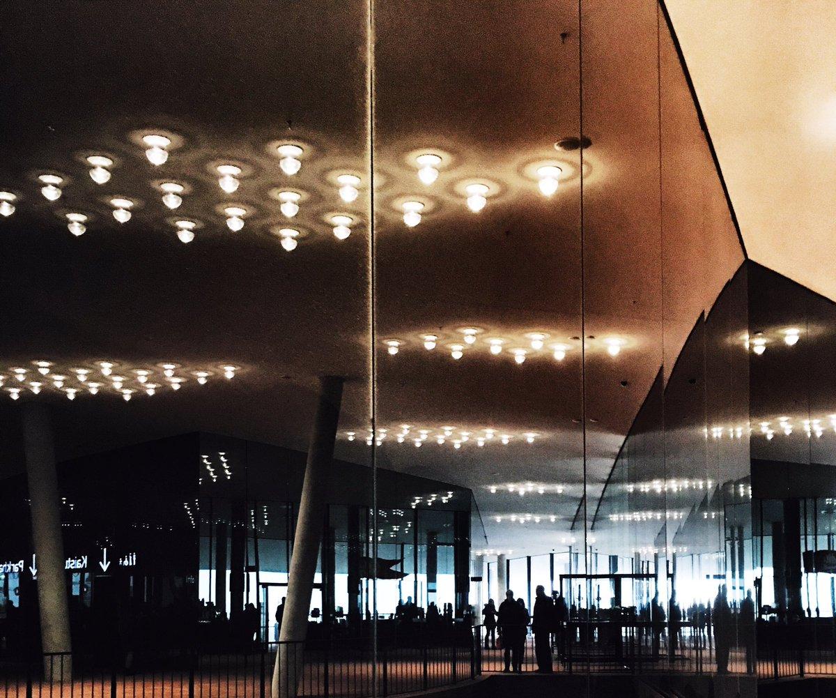 Einige Impressionen aus der Hansestadt:  #Hamburg #visithamburg <br>http://pic.twitter.com/sVJ4gn2Rva