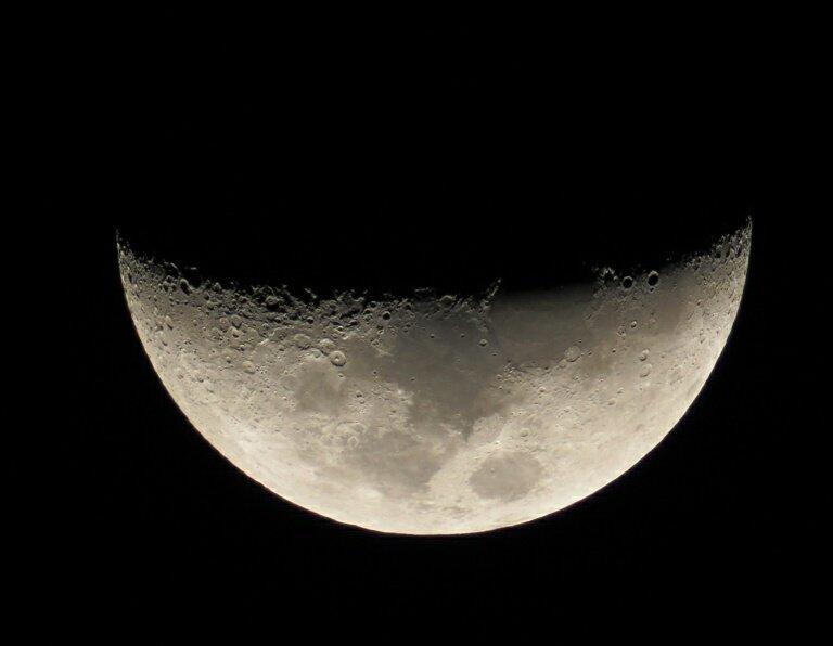 明日は月面X