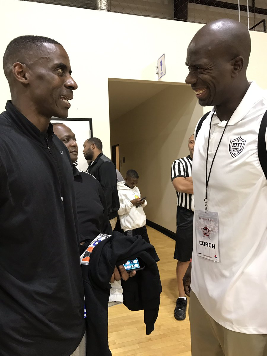 """Vernon Maxwell on Twitter """"Choppin it up wit my guy UH legend Bo"""