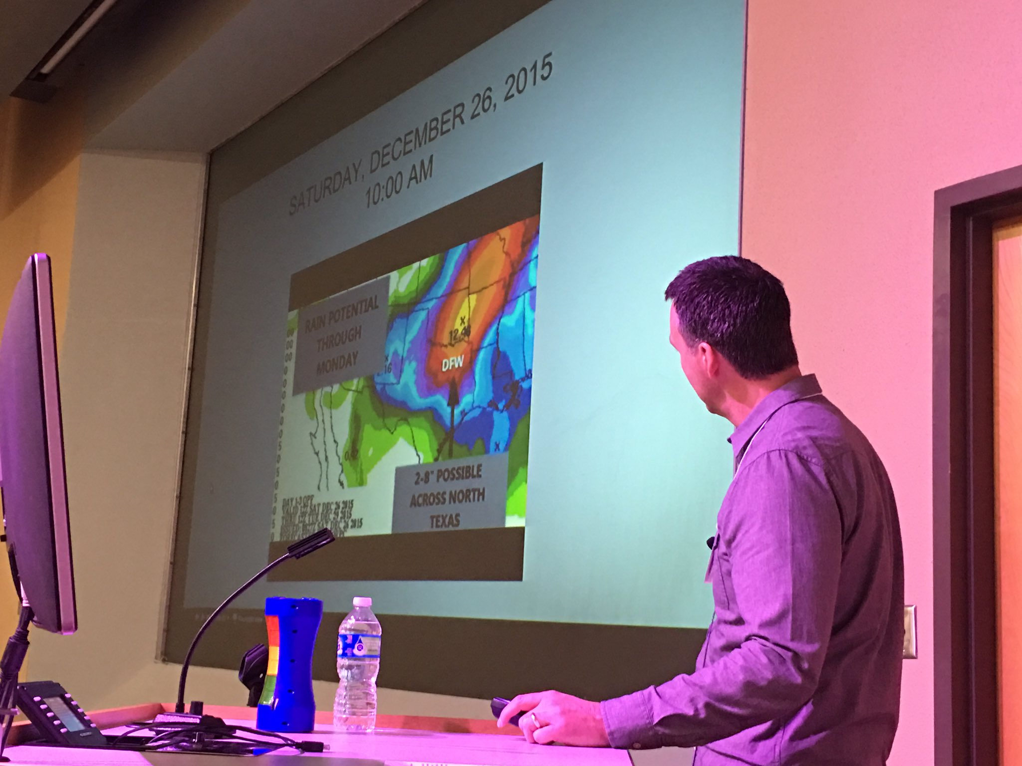 Remember this? Day after Christmas 2015 🌪⛈ @RickMitchellWX presenting on North Texas Outbreak. #TXWX2017 https://t.co/fPOjslANn1