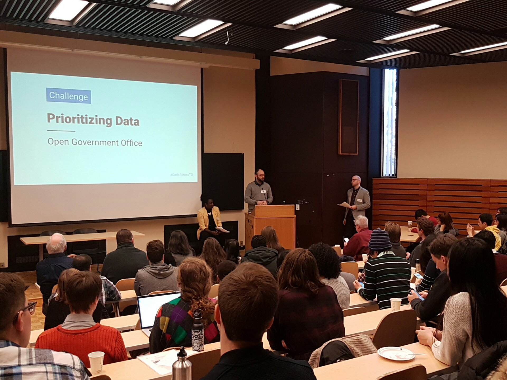"""""""Are there any open data enthusiasts in the room?"""" Asks @thePaulV from Ontario Gov. Room cheers! #OpenDataDay #CodeAcrossTO https://t.co/yeIa9V4jvs"""
