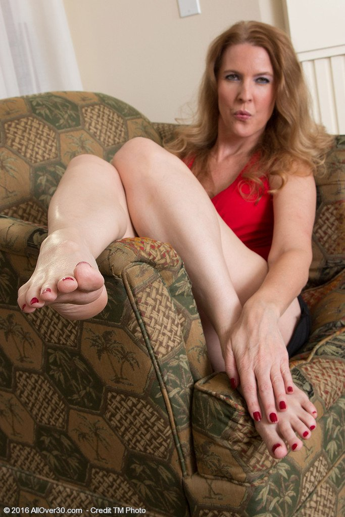 Hot sexy mature feet