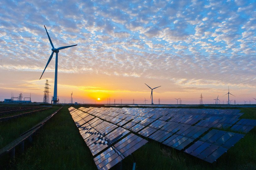 Mythbusting #climate fact: Far more Americans work in renewable energy than fossil fuels.  https:// cleantechnica.com/2017/02/01/us- clean-energy-jobs-surpass-fossil-fuel-jobs-5-1/ &nbsp; …  #divest<br>http://pic.twitter.com/HThekMbETZ