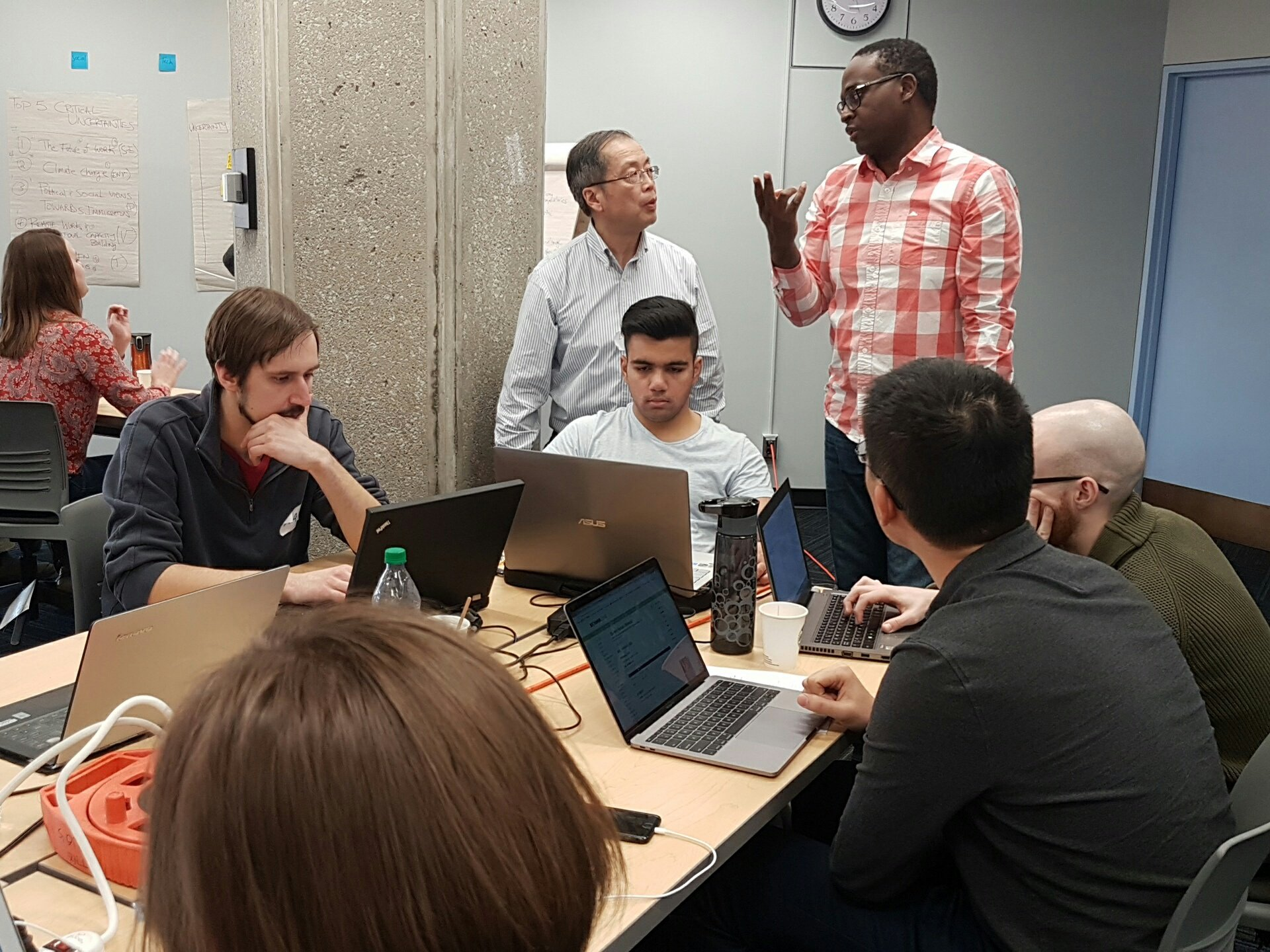 """""""We have an hour, it's time to GO!"""" - Mac tells the #Dream2030 team, hard at work! #OpenDataDay #CodeAcrossTO https://t.co/FcEdTs6KFX"""