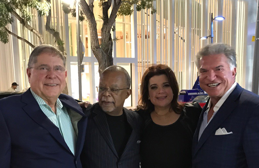We each love Cuba in a personal way. @ananavarro @HenryLouisGates @AlCardenasFL_DC outside @EstefanKitchen https://t.co/CAuB1YbNRt