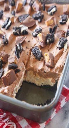 Peanut Butter OREO dessert. Yums!  #desserts https://t.co/8fnmGsKF78  https://t.co/KKJ9Eyffsh
