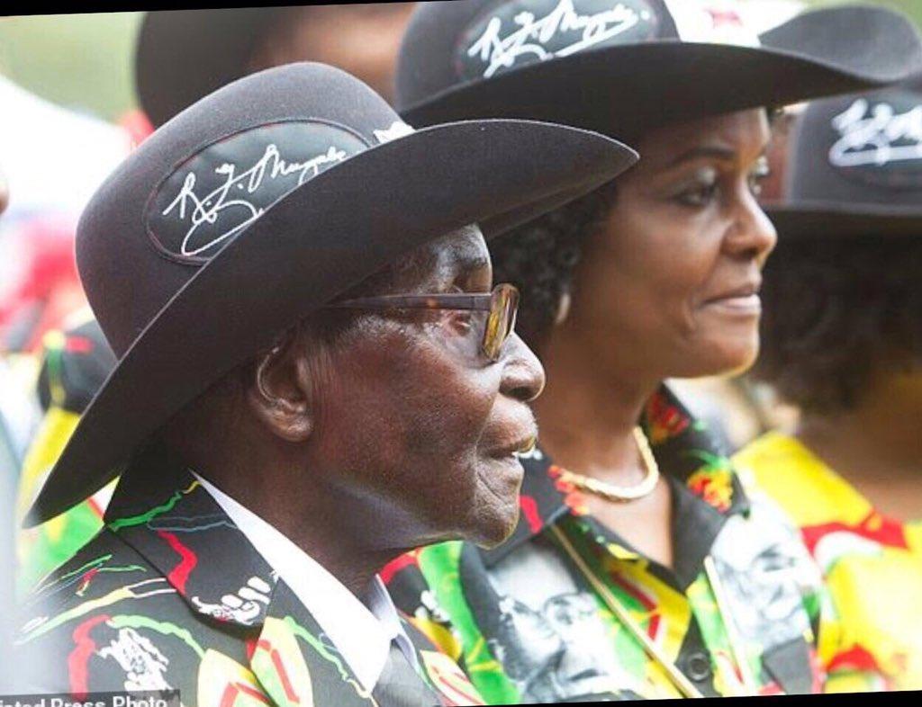 Zimbabwe: Mugabe est rentré au pays après sa visite médicale à Singapour!