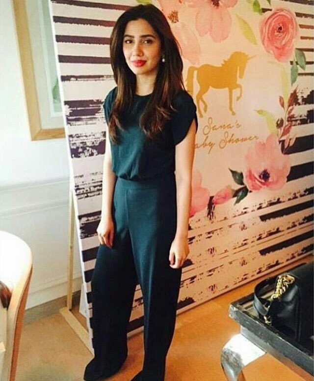 Pakistani Actress Mahira Khan Image Gallery