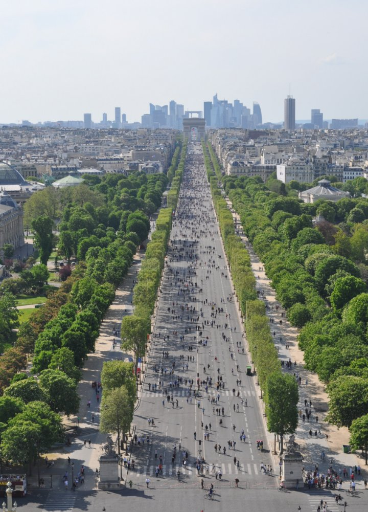 Paris city guide parisparisguide twitter - H m les champs elysees ...