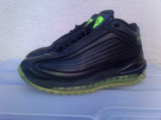 Sneaker King ZA®™ (@SneakerKing_ZA