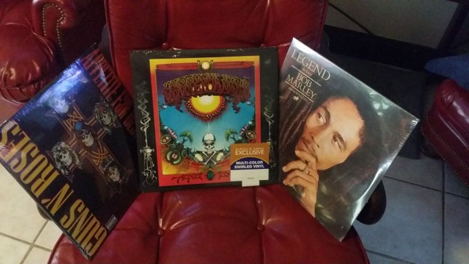 Happy birthday to me. GnR appetite for destruction, grateful dead aoxomoxoa, the best of Bob Marley