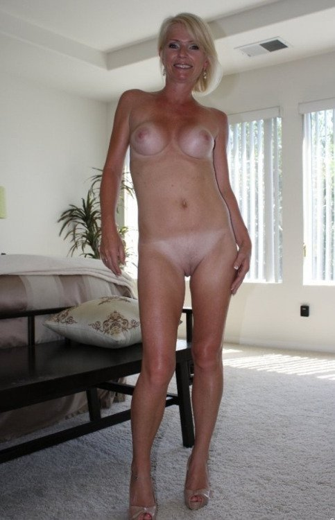 naked women sugar  mummy