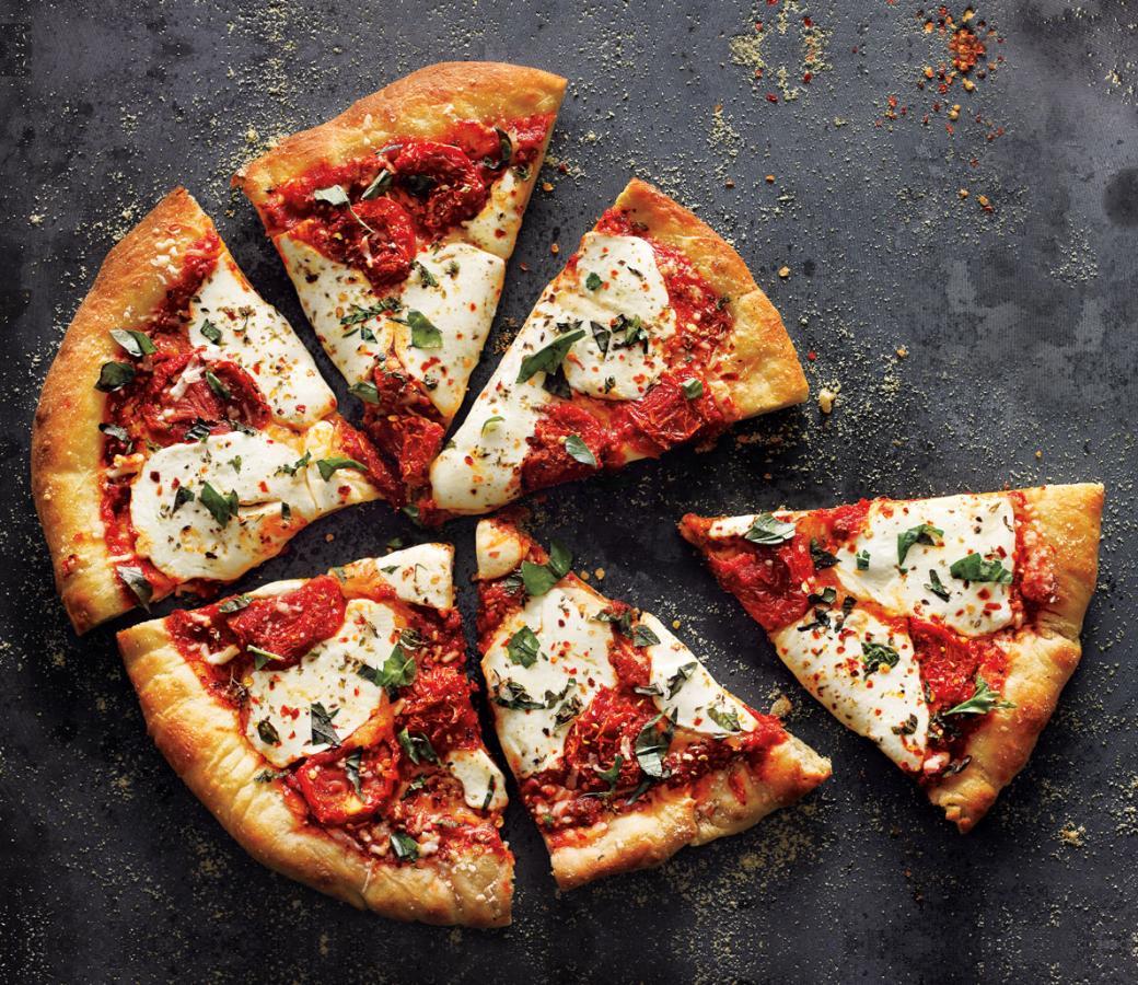 """""""البيتزا الإيطالي"""".. بأبسط مكونات و تكلفة لا تذكر تعرفي على الطريقة الأن"""