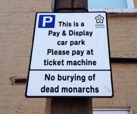 Okay this is just what I needed on a Monday Morning - I give you the new sign at a famous Leicester car park. https://t.co/BNcr5RMeVI