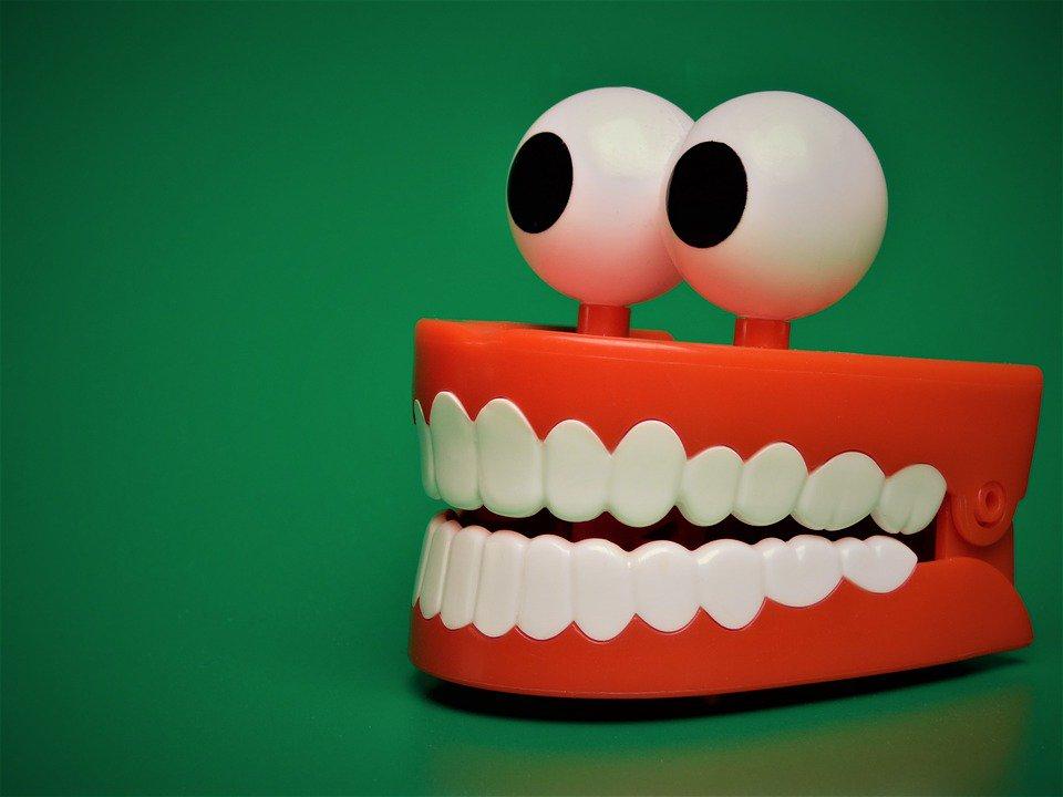 Картинка зубов прикольная