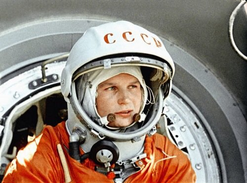 Happy birthday to Valentina Tereshkova, first woman in space, who turns 80 today! https://t.co/T0o33H4NTn